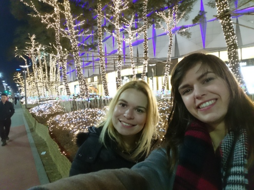 Outside the shopping mall with Eleonore